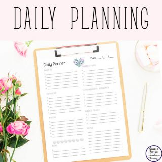 With many designs to choose from, these gorgeous printable daily planners are just what you need to help you be more productive during the day.